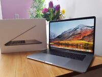 Apple MacBook Pro 15 inch - Touch Bar Model - Quad i7 - Battery Cycle of Just 32