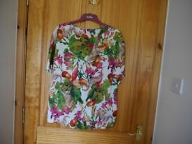Multicoloured top, size -Medium