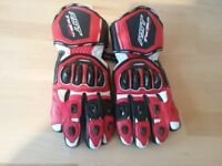 Motorcycle RST TRACTECH EVO LEATHER gloves with knuckle protection