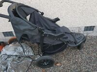 3 wheel urban detour pram with cosy toes and rain cover