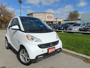 2014 smart fortwo NAVIGATION - LOW LOW KM'S!!!!