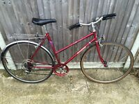 cheap ladies raleigh hybrid road bike ideal student