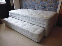 Single Bed with Trundle - Made by Glencraft - Excellent Condition.