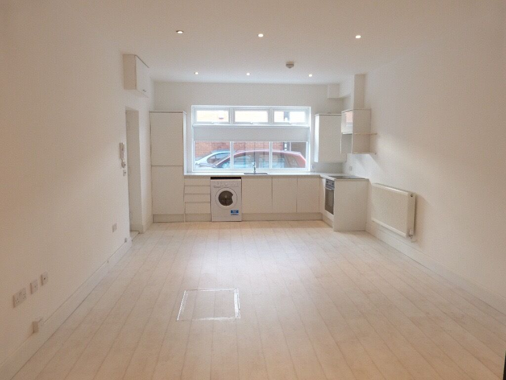 STUNNING BRAND NEW ONE BEDROOM FLAT IN TEMPLE FORTUNE