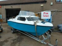 Boat: Leisure cabin cruiser, fishing - With Two Brand New Engines with 3 year warrantee