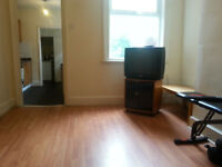 HEART OF DERBY LARGE DOUBLE ROOM