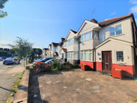 THREE BEDROOM SEMI DETACHED HOUSE TO RENT IN HENDON