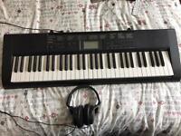 Casio keyboard & headphones