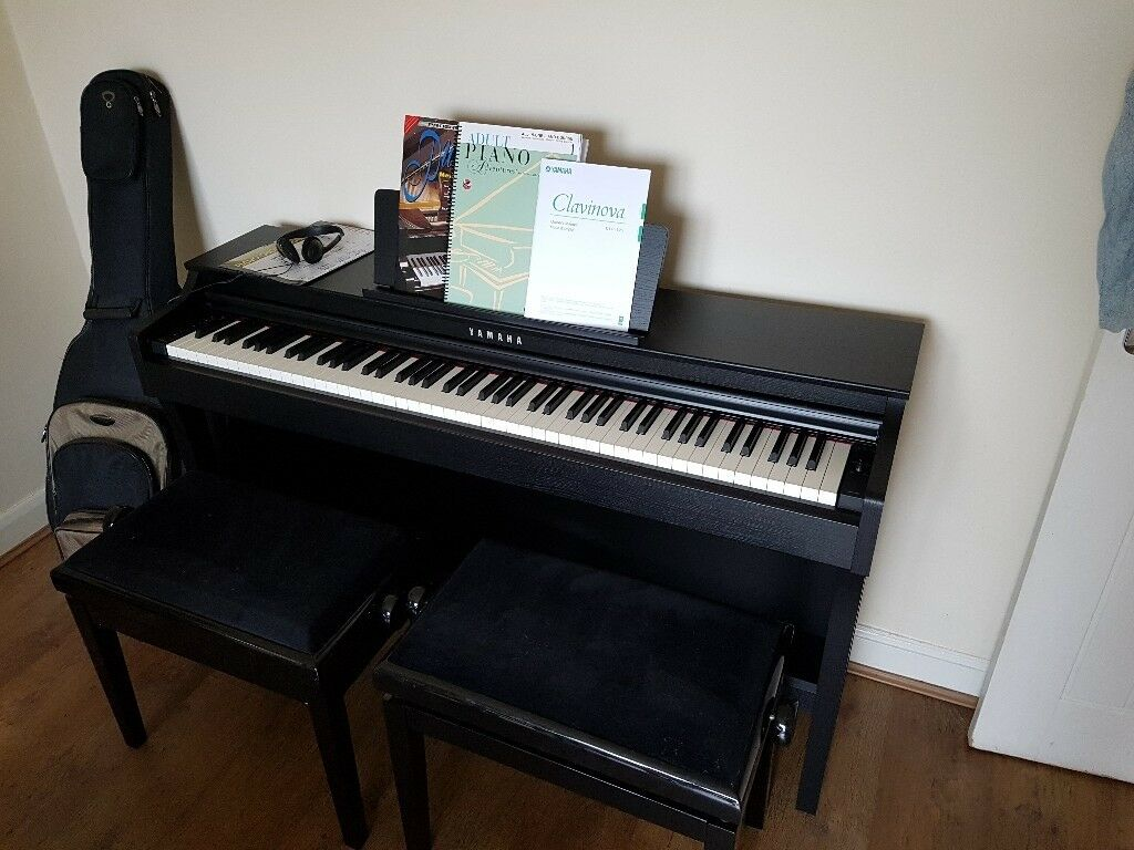 yamaha clavinova clp 625 piano in swindon wiltshire. Black Bedroom Furniture Sets. Home Design Ideas