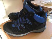 Walking / Treking Boots Waterproof Size 5 Blue / Black Regatta