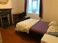 2 bedroom flat in Knowlton House, London, SW9 (2 bed) (#939463)