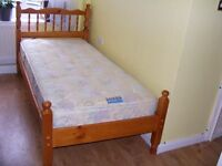 SOLID PINE SINGLE BED WITH HIGH QUALITY MATTRESS IN VERY GOOD CONDITION