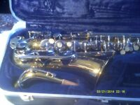 CONN ALTO SAXOPHONE made In U.S.A. In ORIGINAL AS NEW CONDITION , PLAYS PERFECTLY .