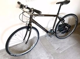 Specialized Crossroads Hybrid Bike - frame size Large