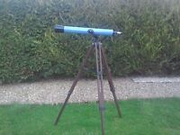Telescope and collapsible Stand - ideal for STAR GAZING. Can deliver in Aberdeen.
