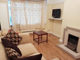 Earlsfield - lovely 2/3 bed ground floor flat with garden close to BR - no fee