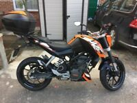 KTM DUKE 125 **LEARNER LEGAL - LOW MILEAGE **