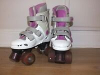 Childs Rollerskates with Light Up Flashing Wheels