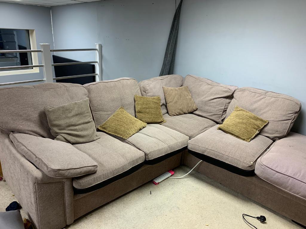 5 Seat Corner Sofa Matching 2 Settee
