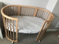 Stokke Sleepi Cot Bed with mattress and fitted sheet - Great Condition