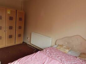 1 Room To let,Nice and clean £280PM