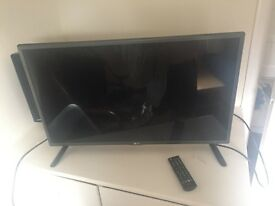 "LG 32"" HD TV very good condition, remote works"