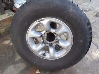 alloy wheel and tyre 4x4 265 x 70 x r15