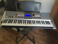 Yamaha keyboard PSR-E413 excellent condition