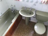 Avocado bathroom suite. Avocado toilet. Avocado basin. Avocado bathroom