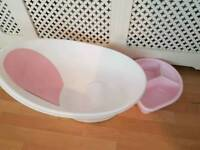 Shnuggle baby bath in pink and top and tail bowl in pink