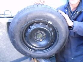 brand new car renault tyre and wheel 185 x 14 4 stud never been on the vehicle