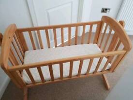 Excellent condition Mamas and Papas swing crib and mattress