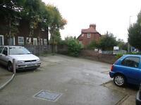 Studio flat in Dunstable Road, Bury Park