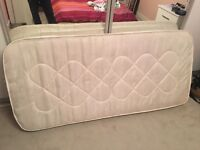 Single mattress 195/90cm, used but in very good condition,can deliver