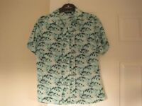 LADIES BLOUSE IN SIZE 8