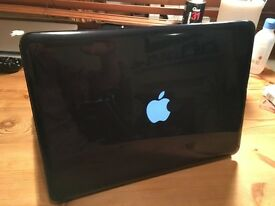Apple Macbook Pro 2011, i5, 4Gb, 256 SSD Solid State Drive, New Battery Great Condition