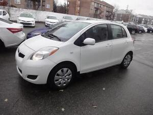 2010 Toyota Yaris Hatchback LE air, vitres