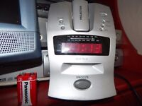 Projection Alarm clock with radio