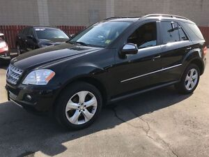 2010 Mercedes-Benz M-Class ML350, Leather, Sunroof, AWD