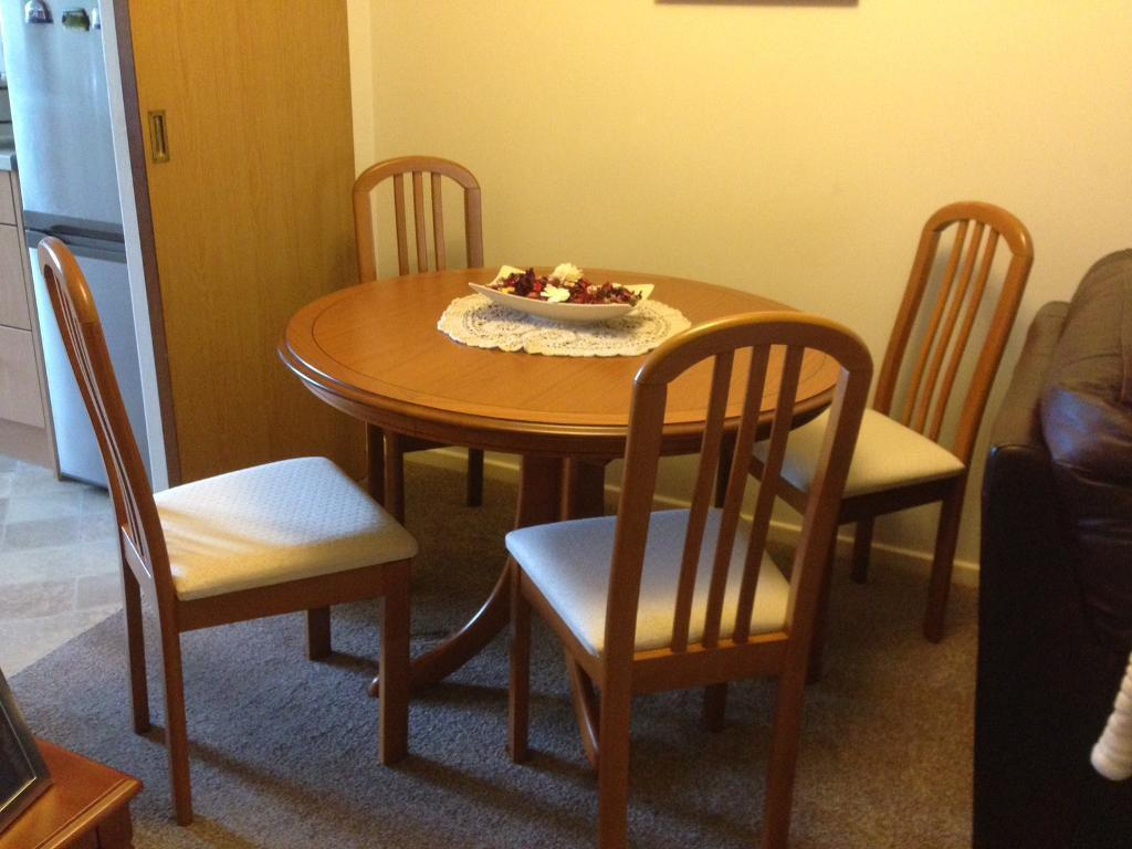 Morris Of Glasgow Dining Room Table And 4 Chairs IMMACULATE