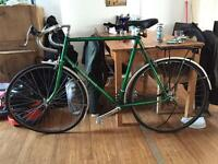 Vintage Claud Butler touring bike in racing green. Requires work.