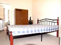 1 bedroom flat in Meadowcroft Road, London, N13