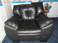 Italian Soft Leather Sofa Armchair Very Comfy & Soft in good condition can deliver Free Local