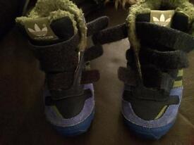 Adidas boys size 6 trainers