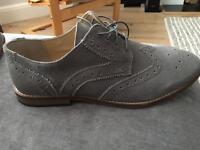 Grey Brogue Shoea