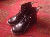 Doc Martens DM 1406 boots size 6
