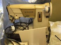 Singer Sewing machine - does straight and zig zag stiching
