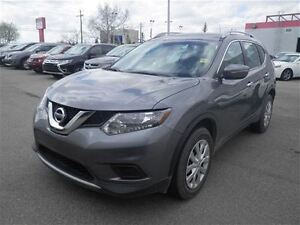 2015 Nissan Rogue S | AWD | Back UP Camera | Bluetooth |