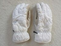 Skiing gloves. Kids appx 10-12 yrs. Waterproof. Leather palm. Good condition.