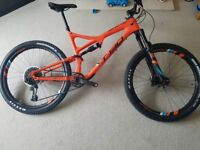Whyte T130 works mountain bike , carbon frame and wheels XL